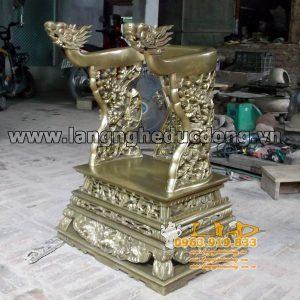 langngheducdong.vn - Ngai đồng vai rồng đúc nguyên khối, hoa văn cổ tinh xảo trên khắp ngai