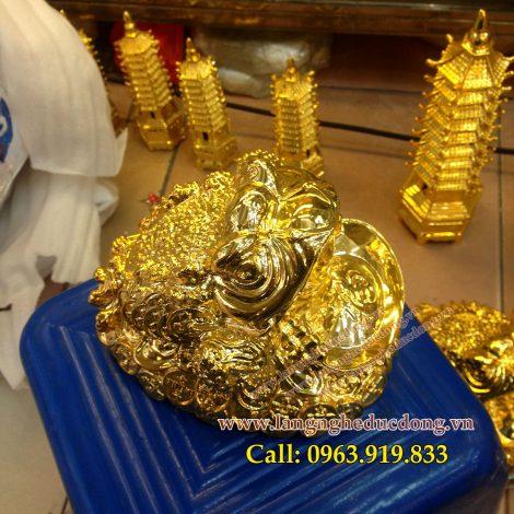 langngheducdong.vn - Cóc ba chân ngậm tiền phong thủy mạ vàng cao cấp cao 15cm