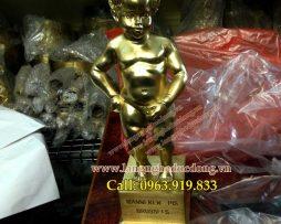 langngheducdong.vn - Chú bé đứng tè - Biểu tượng của vương quốc Bỉ, tượng trang trí bằng đồng