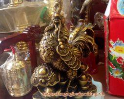 langngheducdong.vn - gà trống đứng tiền và gậy như ý 30cm, giá tượng gà bằng đồng