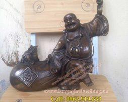 langngheducdong.vn - Tượng Phật Di Lạc gánh vàng cao 25cm, mẫu tượng dilac gánh vàng