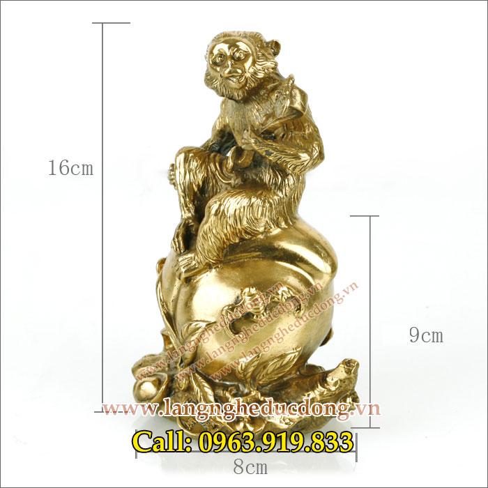 langngheducdong.vn - Tượng khỉ ngồi quả đào ôm gậy như ý 16cm