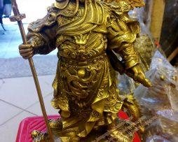langngheducdong.vn - tượng quan công ngũ cờ, quan công đứng bệ rồng, quan công bằng đồng