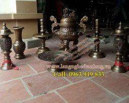 langngheducdong.vn - bộ đỉnh thờ bằng đồng vàng hun nâu, đỉnh bày bàn thờ gia tiên
